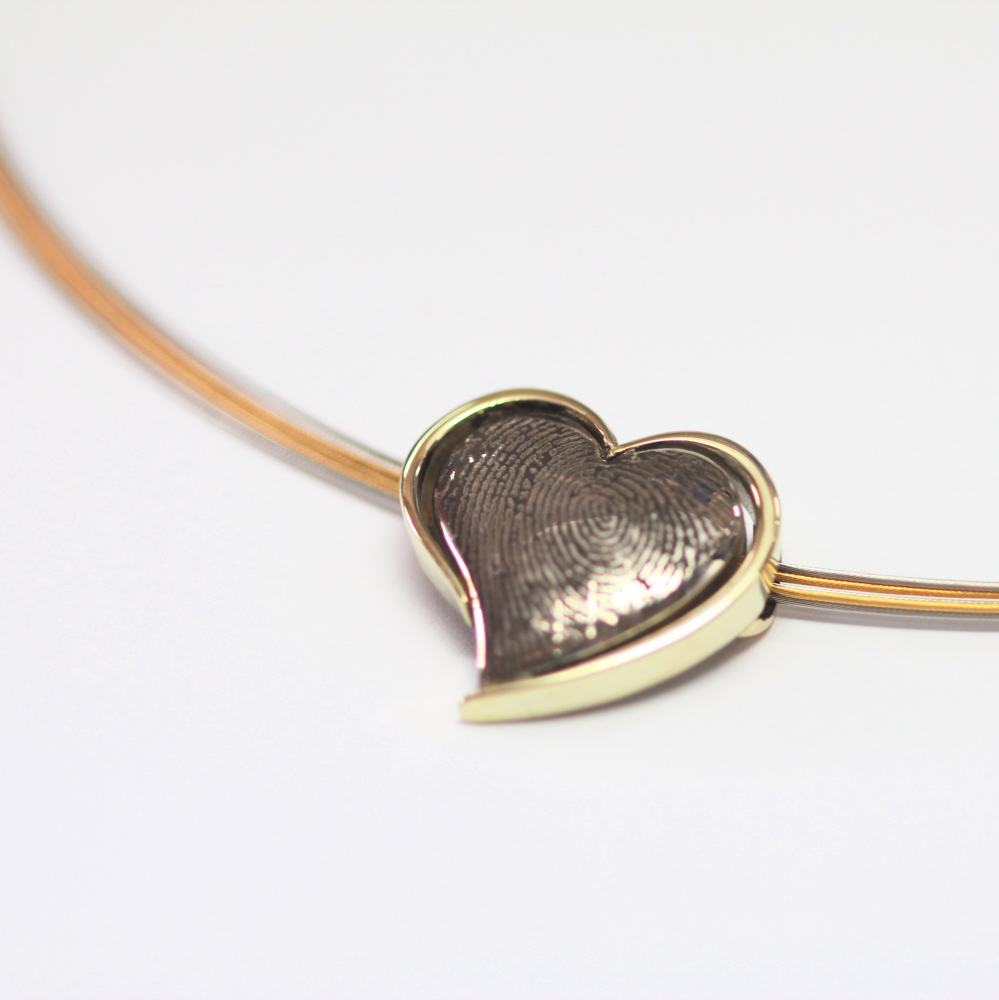 Necklace heart with memories